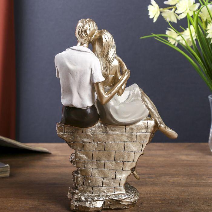 """Сувенир полистоун """"Влюблённая пара на кирпичной изгороди"""" 22х14,5х8 см"""