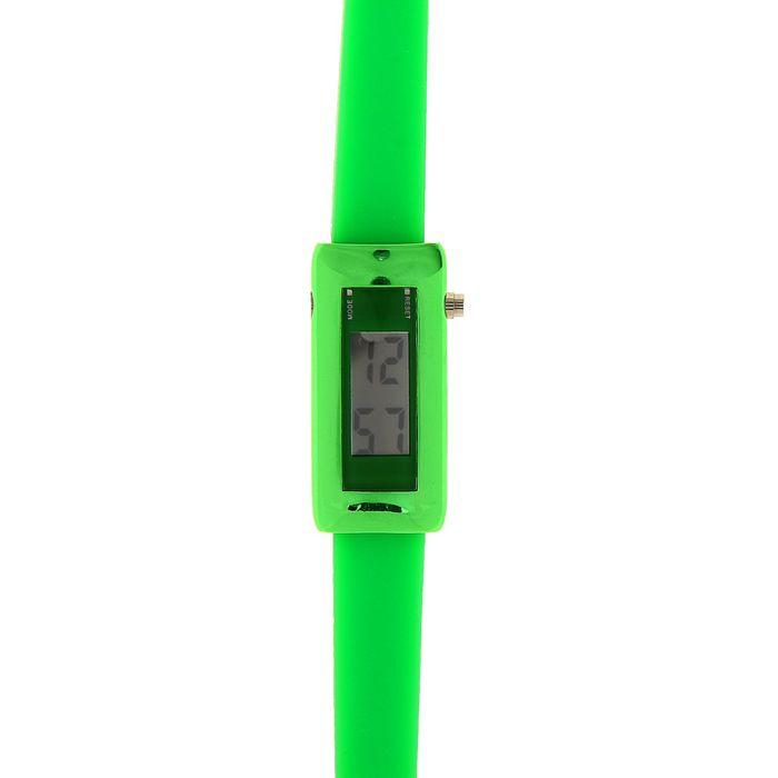 Часы наручные электронные, ремешок силикон, циферблат прямоугольный, зеленые 1,5х21 см