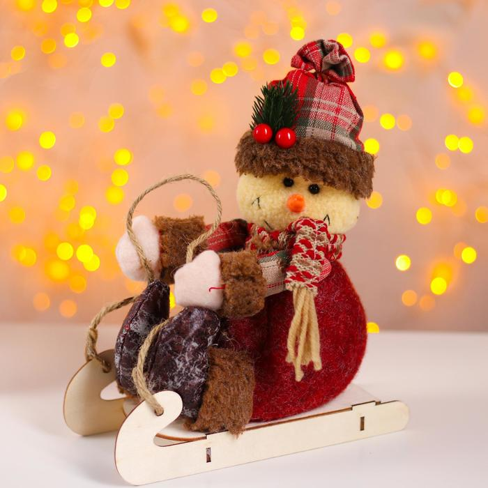 Мягкая игрушка «Снеговик на санках»