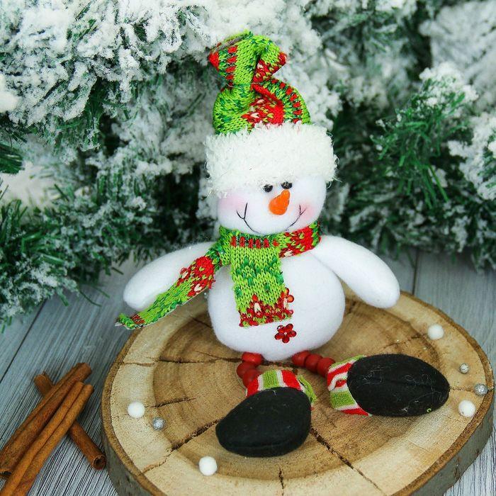 """Мягкая игрушка """"Снеговик в шарфике - ножки бусинки"""" 6*19 см"""
